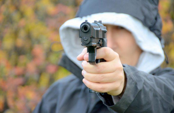 Armes de poing ou fusil – Pourriez-vous distinguer le vrai du faux ?