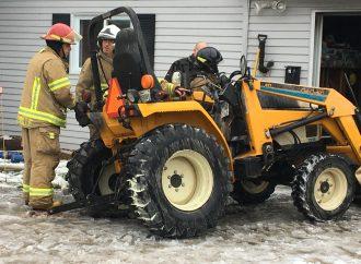 Un homme grièvement blessé dans un incendie de tracteur à Notre-Dame-du-Bon-Conseil