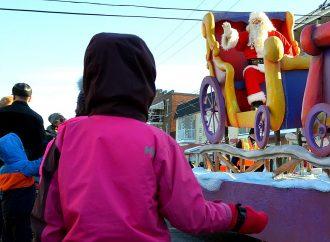 La neige, le soleil, le plaisir et le vrai père Noël étaient au rendez-vous à Drummondville dimanche!