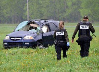 Une violente embardée pour un conducteur de 30 ans tôt samedi matin