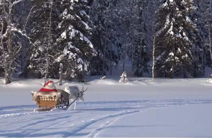 (VIDÉO) Ce 25 décembre, le père Noël continue sa route autour du monde