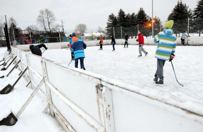 Ouverture des patinoires, petites surfaces et sentiers glacés extérieurs
