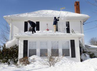 Il faut bien planifier pour déneiger vos toits en hiver