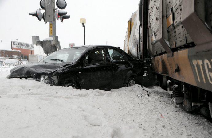 Train versus automobile – Le centre-ville de Drummondville paralysé par un accident