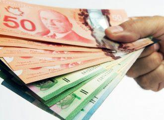 (VIDÉO) Hausse du salaire minimum au Québec à 12 $ l'heure