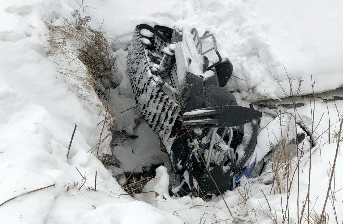 Violente embardée de motoneige à Sainte-Clotilde-de-Horton – Un jeune conducteur dans un état grave