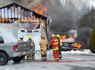 Un incendie de véhicule se propage à un garage de la rue Denis à Saint-Germain-de-Grantham