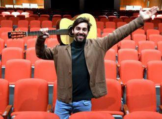 King Melrose sur scène à la Maison des arts de Desjardins