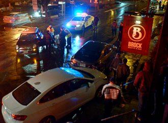 Une conductrice lourdement intoxiquée par l'alcool percute deux véhicules