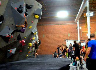 Une première compétition très réussie et haute en couleurs pour l'Escarpé, le centre d'escalade de bloc à Drummondville