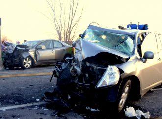 Saint-Guillaume – Cinq blessés dans une collision frontale sur la 122 ouest