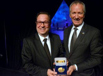 La SDED et le député André Lamontagne rendent un vibrant hommage à Martin Dupont pour 30 ans de loyaux services