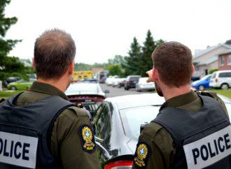 Homme barricadé à Drummondville-L'individu de 30 ans se rend aux policiers