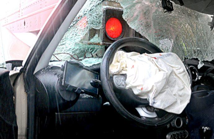 Saint-Eugène – Une conductrice percute violemment une remorque