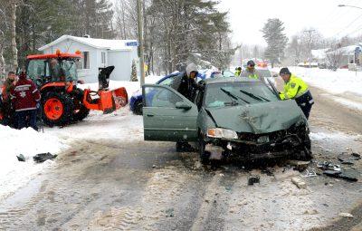 Violente collision entre une souffleuse et un véhicule à Drummondville