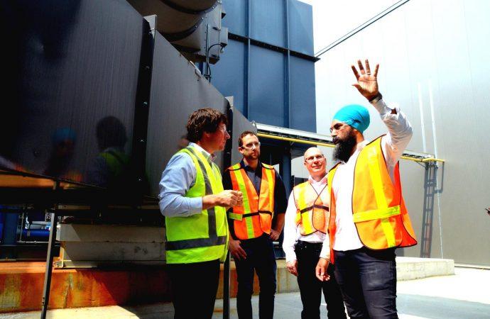 Le chef du NPD Jagmeet Singh s'arrête à Drummondville pour une journée
