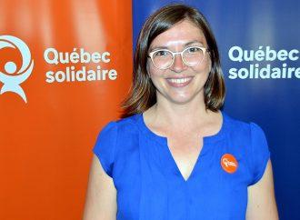 La candidate de Québec solidaire dans Johnson Sarah Saint-Cyr Lanoie prend position sur l'agriculture écoresponsable
