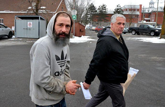 Un individu de Saint-Eugène-de-Grantham fait face à la justice pour des voies de faits sur une mineure