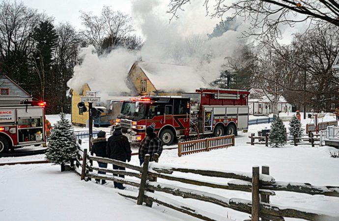Incendie au Village Québécois d'Antan de Drummondville