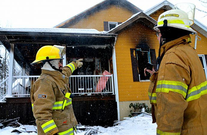 Incendie de résidence à Saint-Edmond-de-Grantham: Un père de famille vigilant et courageux