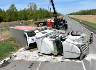Un camionneur fait une embardée sur la 20 près de Drummondville