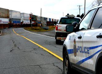 Une voiture percutée par un train du CN sur la route 239 près de Drummondville