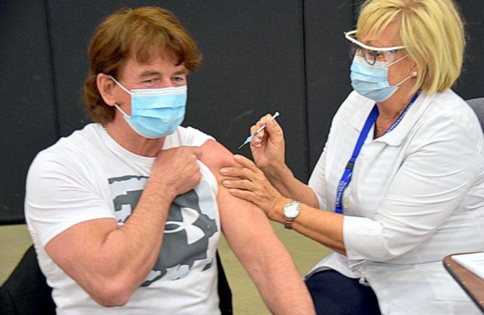 C'était au tour du maire de Drummondville Alain Carrier de recevoir son vaccin
