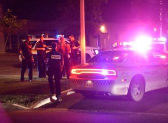 Un individu recherché tente de fuir les policiers en sautant d'un deuxième étage à Drummondville