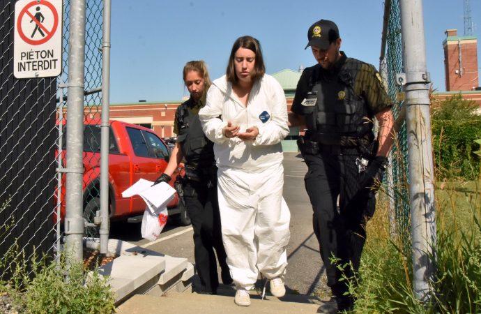 Des accusations de meurtre au deuxième degré déposées contre la fille de la victime
