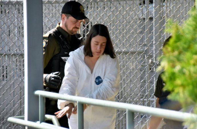 Meurtre de Jean Bonard, sa fille Marina Bonard, accusée de meurtre au 2e degré de retour devant le tribunal