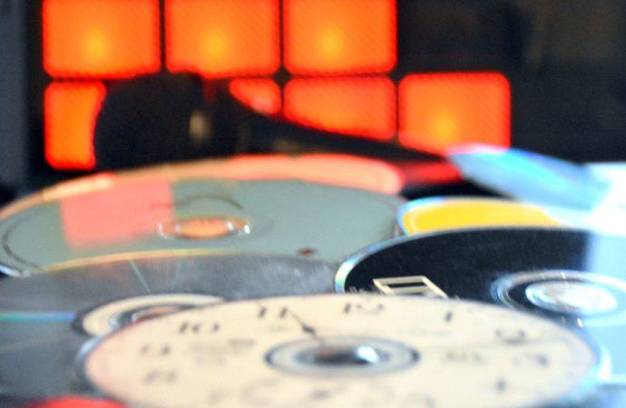 Ventes d'enregistrements audio, la baisse se poursuit