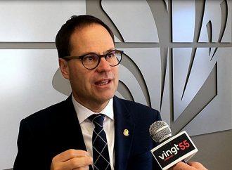 Alexandre Cusson annonce qu'il quitte ses fonctions de président de l'Union des municipalités du Québec