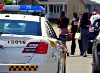 Deux enfants, un poupon et un enfant de moins de 5 ans retrouvés seuls en pleine rue à Drummondville