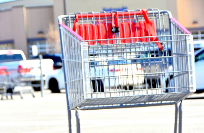 Sobeys IGA, Métro Super C, rassurent la clientèle en rendant publics les cas dans leurs succursales et entrepôts.