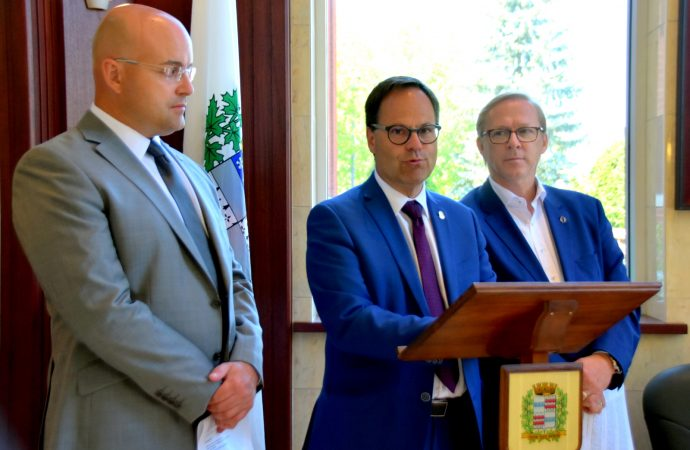 Un appui important du maire et président de la SDED Alexandre Cusson pour la Davie