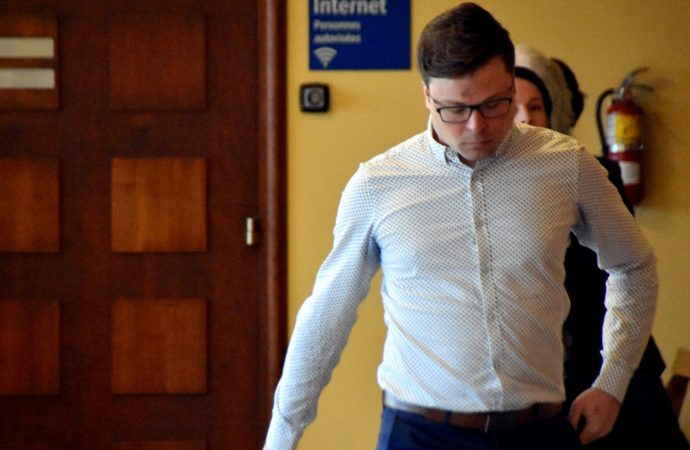 Le Dr Vincent Simard cité à procès pour les gestes à caractère sexuel envers deux présumées victimes