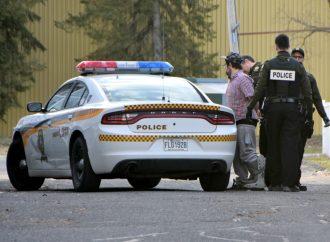 Un exhibitionniste s'en prend à un jeune enfant et une femme à Drummondville