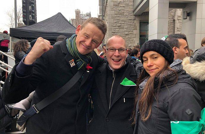 En solidarité avec les Franco-Ontariens, François Choquette participe à la manifestation d'Ottawa
