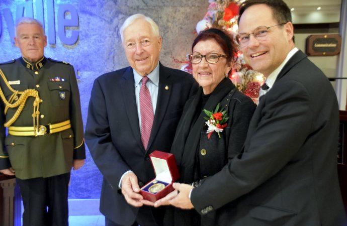 La Drummondvilloise, Louise Rajotte, honorée par le lieutenant-gouverneur du Québec