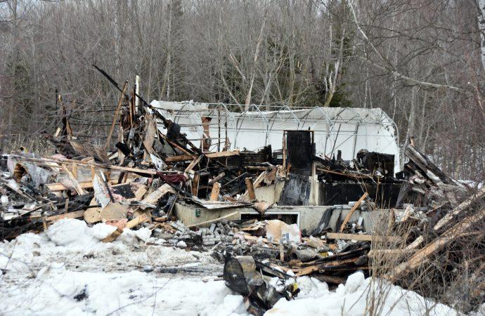 Un détecteur de fumée fonctionnel sauve trois vies dans un feu de résidence à Wickham