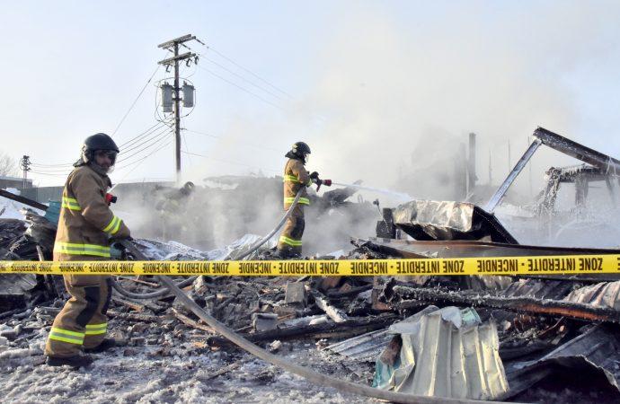 Le garage municipal de Notre-Dame-du-Bon-Conseil complètement détruit par un incendie