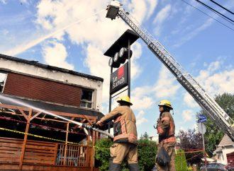 Un incendie suspect a complètement détruit le Bar le Ranch et 4 appartements locatifs