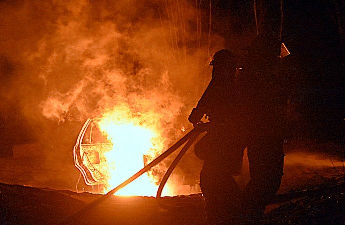 Un incendie de véhicule cause tout un émoi dans un quartier résidentiel à Drummondville