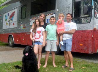 L'école de la vie enseignée sur la route depuis deux ans, l'aventure d'une famille Belge de passage à Drummondville