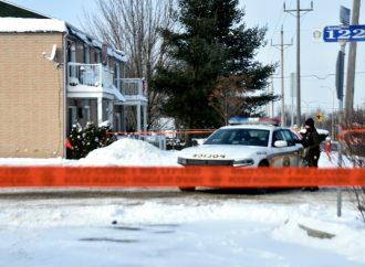 Un homme tient les policiers sur le qui-vive à Drummondville refusant de collaborer