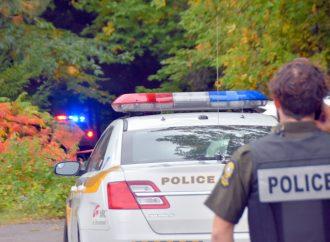 Un homme retrouvé sans vie près d'une école dans un secteur boisé de Drummondville