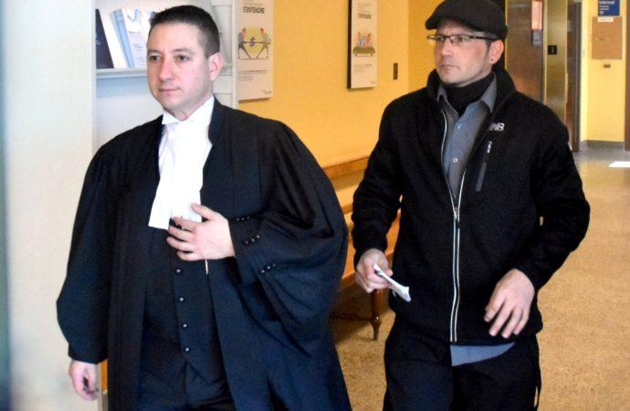 Accusations à caractère sexuel sur deux mineurs, début du procès de Stéphane St-Louis (Vidéo)