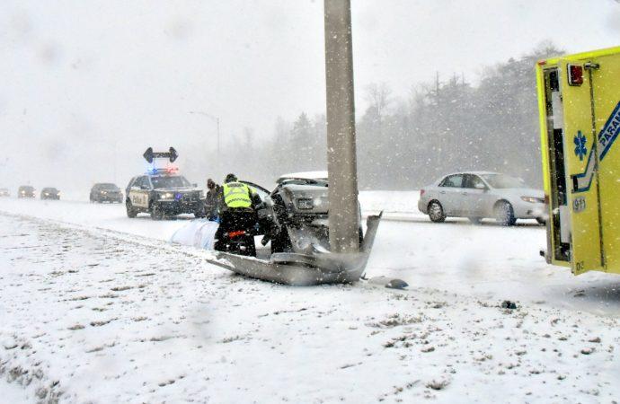 Plusieurs accidents en raison des conditions météo difficiles sur l'autoroute 20