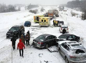 Plus de 200 véhicules impliqués dans une série de carambolages sur l'autoroute 20 EST à la hauteur de Val-Alain