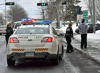 """Une tentative d'extorsion a mené à deux arrestations à """"haut-risque"""" à Drummondville"""